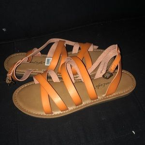 ‼️ BRAND NEW American Eagle Sandals size 8.5 ‼️